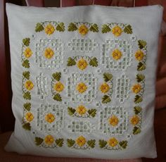 There are also some pieces with hardanger elements on the 'Counted and Drawn Thread' page. This is Mary Hickmott's 'Delicate Dreams' des. Hardanger Embroidery, Paper Embroidery, Types Of Embroidery, Learn Embroidery, Embroidery For Beginners, Embroidery Techniques, Embroidery Stitches, Cross Stitches, Embroidery Designs