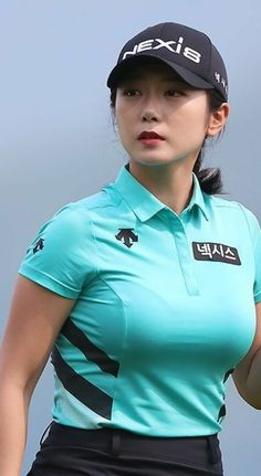 Natalie Gulbis, Lpga Golf, Golf Pictures, Sexy Golf, Swimming Sport, Golf Outfit, Ladies Golf, Sport Fashion, Sports Women