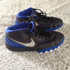 buy online 107e3 485a3 Kids size Kyrie Irving Basketball shoes Black and blue Kyrie Irving  basketball shoes in kids size