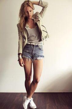 high waisted shorts >>