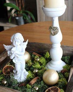 #christmas #centerpiece #handmade #personalizable #angel #candleholder #candle  #christmasball #orange #cinnamon #anisflower  #moos Christmas Balls, Fountain, Cinnamon, Centerpieces, Candle Holders, Angel, Candles, Outdoor Decor, Handmade