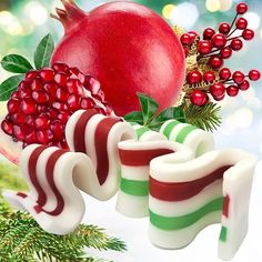 Ribbon Candy Soap Recipe using Natures Garden's Holiday Pomegranate Fragrance Oil #naturesgarden #fragranceoils #fragrancefun #soapmaking #meltandpoursoap #holidaypomegranatescent #linkinbio