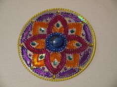 Como hacer Mandalas DIY | ReciclaconErika Crafts To Do, Diy Crafts, Recycled Cds, Let's Make Art, Mandala Dots, Arabesque, Painted Rocks, Creations, Outdoor Blanket