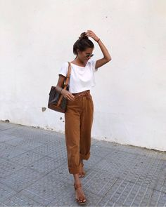 Outfit Ideas Retro those Womens Clothes Old Navy; Womens Clothes Sale Free Deliv… Outfit-Ideen Retro jene Frauenkleider Old Navy; Mode Outfits, Casual Outfits, Fashion Outfits, Womens Fashion, Earthy Outfits, Ladies Fashion, Fashion Ideas, Simple Outfits, Cullotes Outfit Casual