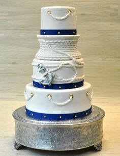 Featured Wedding Cake: The Cake Zone; Daily Wedding Cake Inspiration (New!). To see more: http://www.modwedding.com/2014/08/06/daily-wedding-cake-inspiration-new-7/ #wedding #weddings #wedding_cake Featured Wedding Cake: The Cake Zone;