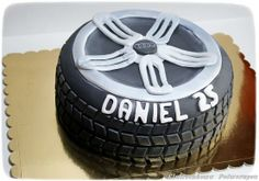 tire cake Cakes For Men, Cakes And More, Tire Cake, Cupcake Cakes, Cupcakes, Baking Cakes, No Bake Cake, Sweet Tooth, Cupcake