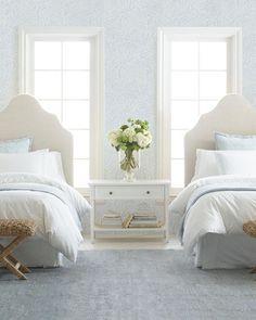 Casa da Anitta: see the singer's mansion in Barra da Tijuca - Home Fashion Trend Home Decor Bedroom, Modern Bedroom, Bedroom Furniture, Home Furniture, Bedroom Wall, Master Bedroom, Contemporary Bedroom, Furniture Ideas, Bedroom Lamps