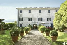 This family villa in Tuscany has been thoughtfully restored over the past 35 years | archdigest.com
