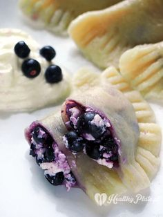 polish pierogi with blueberries/ empanadillas polaca de arándanos