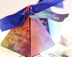 20pcs Personalized Triangular   Pyramid Gift Box with Starry Sky Galaxy  Fantasy Wedding Candy Box  e98a47e52e25