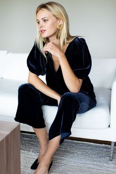 10 a navy velvet jumpsuit with cropped pants, puff sleeves and a deep V-neckline is all you need to look wow - Styleoholic Casual Outfits, Cute Outfits, Fashion Outfits, Fashion Trends, Diy Fashion, Velvet Jumpsuit, Velvet Tops, Beautiful Outfits, Dress To Impress