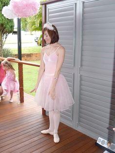 Ballet lesson for the girls