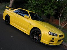 Nissan Skyline Lightning Yellow