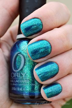 ℒᎧᏤᏋ ℒᎧᏤᏋ this gorgeous bright turquoise glitter polish color!!!! ღ❤ღ