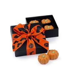 Mroczny kartonik skrywający sekret słodkiej czekolady i pysznego nadzienia z orzechów laskowych. #chocolissimo #chocolate #halloween