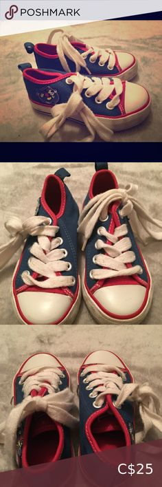 Disney Unisex Size 8 Blue/Red Canvas Sneaker Mouse ⭐️Classic Mickey Mouse Design ⭐️Canvas style shoe ⭐️Size 8 ⭐️Disney Store ⭐️Used - VERY GOOD CONDITION Disney Shoes Sneakers Mickey Mouse Design, Classic Mickey Mouse, Disney Mickey Mouse, Canvas Sneakers, Shoes Sneakers, Disney Shoes, Fashion Shoes, Unisex, Store