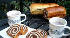 Csíkos kalács recept: Egy kiváló, házi kakaós kalács recept! Ha valaki szereti, lehet mazsolát beletenni, és a citrom reszelt héja is elhagyható, de szerintem nagyon kellemes ízt ad hozzá. Hungarian Desserts, Hungarian Recipes, Hungarian Food, Bread Recipes, Cooking Recipes, Ring Cake, Bread And Pastries, Breakfast For Dinner, Croissant