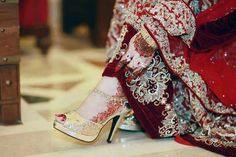 Maha 's design and photography Wedding Shoes, Wedding Dresses, Stylish Dpz, Bridal Sandals, Leg Pictures, Teenage Girl Photography, Indian Bridal, Beauty Women, Fashion Shoes