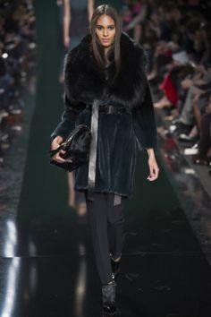 Défilé Elie Saab prêt-à-porter automne-hiver 2014-2015|28