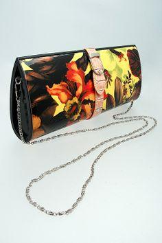 Tropical Printed Clutch #wholesale #bags #purse #accessories #handbag #clutch #fashion #clothing #ootd #wiwt #shopitrightnow #crossbody #bucket