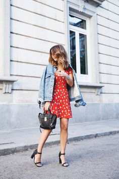 Floral_Dress-Topshop-Denim_Jacket-Street_Style-Outfit-8