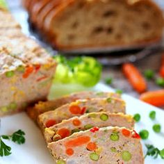 Keks mięsny Polish Recipes, Polish Food, Dessert Recipes, Desserts, Meatloaf, Sandwiches, Impreza, Coleslaw, Biscuits