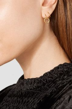 Hook fastening for pierced ears Imported