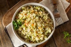 Looking for a tasty cauliflower rice pilaf recipe? Steven Gundry's video on how to prepare and cook amazing, delicious cauliflower rice pilaf. Lectin Free Foods, Lectin Free Diet, Herb Recipes, Rice Recipes, Healthy Recipes, Protein Recipes, Healthy Foods, Cauliflower Fried Rice, Cauliflower Recipes