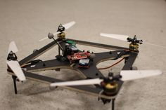 Aerospace Controls Laboratory | Projects | Variable-pitch Quadrotor