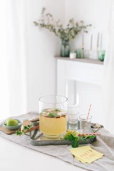 Maibowle mit Rhabarber und Minze inkl. Rezept - Hochzeitsblog Fräulein K. Sagt Ja - Partyshop
