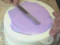 stencilling on a cake