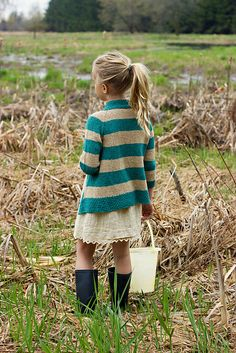 Clam Digger Knitting pattern by Melissa Schaschwary - My favorite children's fashion list Little Doll, Little Girls, Little Girl Fashion, Kids Fashion, Fashion Clothes, Latest Fashion, Fashion Trends, Outfits Niños, Cheap Outfits