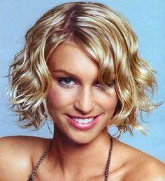 Cabelo curto cacheado  #cabeloscurtos #hairstyle #shorthair #hair #mulheres #cabelos  visite: http://www.cortecabelocurto.com