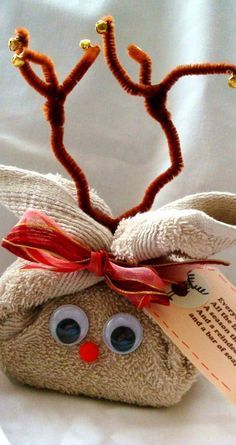 DIY Washcloth Reindeer with tag Cute way to give a bath gift.- DIY Washcloth Reindeer with tag Cute way to give a bath gift – Washcloth – Ideas of Washcloth – DIY Washcloth Reindeer with tag Cute way to give a bath gift - Baby Gifts To Make, Diy Gifts For Kids, Craft Gifts, Christmas Towels, Christmas Crafts, Christmas Decorations, Christmas Ornaments, Holiday Crafts, Holiday Fun