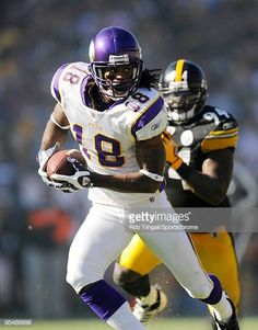 Sidney Rice of the Minnesota Vikings runs with the ball against the  Pittsburgh Steelers at Heinz f719ca5de