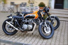 Cafe racers, scramblers, street trackers, vintage bikes and much more. The best garage for special motorcycles and cafe racers. Tracker Motorcycle, Retro Motorcycle, Scrambler Motorcycle, Bobber, Cb 500 Cafe Racer, Cafe Racer Bikes, Cafe Racers, Cb350, New Motorcycles