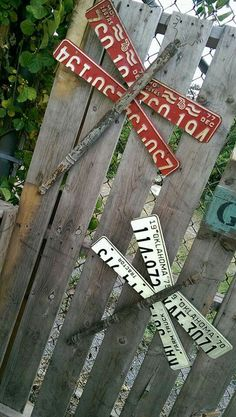 Fun Metal Working Projects Tips; A Look At Significant Factors In DIY Black Smith Metal Working - Constant Improve License Plate Crafts, Old License Plates, License Plate Art, License Plate Ideas, Garden Crafts, Garden Art, Diy Crafts, Yard Art Crafts, Outdoor Crafts