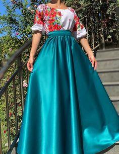 Rochie stilizata cu motive traditionale cu maci - 32 | #ietraditionala #instafasion #romania #traditional #motivetraditionale  #rochie