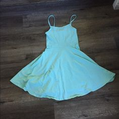 Mint Skater Dress Super simple and flattering. Size XS H&M Dresses Mini