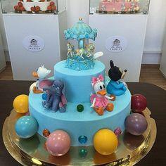 """Fili Baker Premium"" РЕНАТ АГЗАМОВ Carousel Cake, Birthday Cake, Cakes, Desserts, Tailgate Desserts, Deserts, Cake Makers, Birthday Cakes, Kuchen"