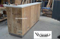 Steigerhouten afsprakenbalie met hoogglans wit bovenblad. By Wooddesign4u