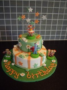 In the night garden cake for Arch