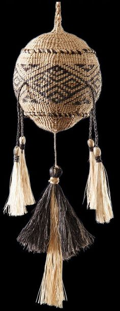 Traditional Māori Poi Tāniko performance instruments by master weaver Karl Leonard. These intricate works are woven using natural plants from New Zealand forests and waterways. West Papua, Maori Art, Easter Island, Weaving Patterns, Gypsy Soul, Creative Inspiration, Tassel Necklace, Fashion Art, Weave