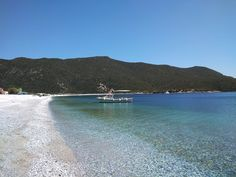 No time to waste at Fokianos Bay – Food and Travel White Pebbles, Greece Travel, Sea Creatures, Snorkeling, Sea Shells, Traveling, Europe, River, Beach