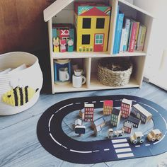 Montessori Toddler, Play Ideas, Kids Rugs, Invitations, Fun, Instagram, Home Decor, Decoration Home, Game Ideas