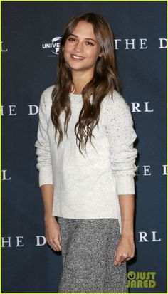 Alicia Vikander Reacts to Double Golden Globe Nomination: 'I Am Truly Thrilled': Photo Alicia Vikander strikes a pose on the red carpet while attending a photo call for her latest film The Danish Girl held at the Ritz Carlton on Thursday (December… Alicia Vikander Style, Michael Fassbender And Alicia Vikander, Beauty Crush, The Danish Girl, Swedish Actresses, Olga Kurylenko, Beautiful Young Lady, Ex Machina, Celebrity Look