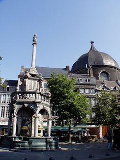 Le Perron - Place du Marché, Liege, Belgium