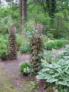 Gabion pillars