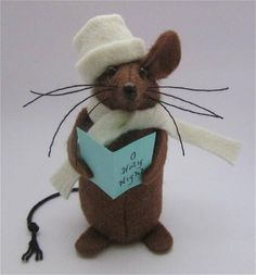 My little felt mice stand approx 3 high and can be made as any character or for any hobby or profession. If you see a mouse you like but wish to make some changes or would prefer a custom order then just get in touch and I will do my very best to accomodate. Each mouse is lovingly
