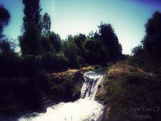 Canal de aguas provenientes de Catillo, Parral, VII Región del Maule.